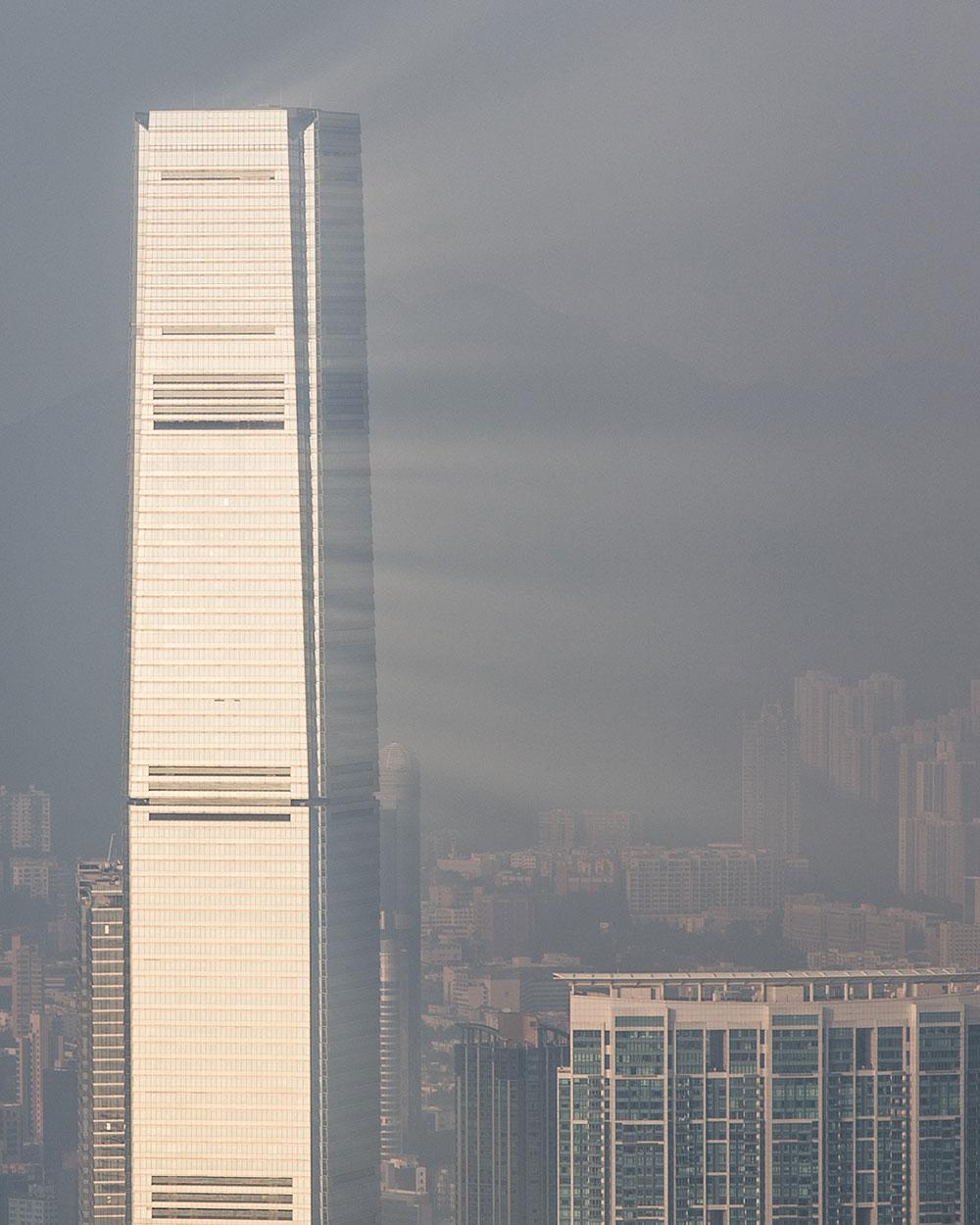 hong kong air pollution light reflected